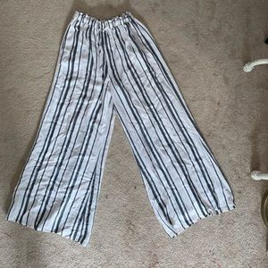 Striped flowy wide leg pants.